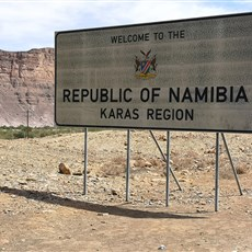 Noordoewer border crossing into Namibia